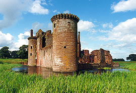 Caerlaverock Castle - Medieval Scotland - Medieval History - Middle Ages History