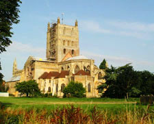 Tewkesbury Abbey - Medieval England - Middle Ages History - Medieval History - Architecture